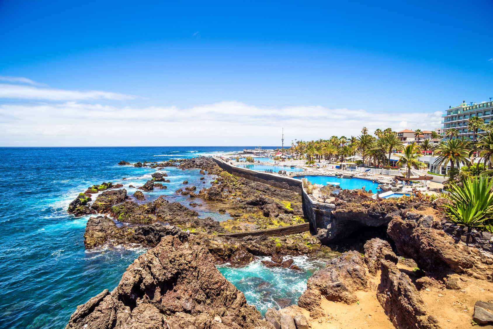 Tenerife trekking sul vulcano avvistare balene e tanto altro for Piscina natural de puerto santiago